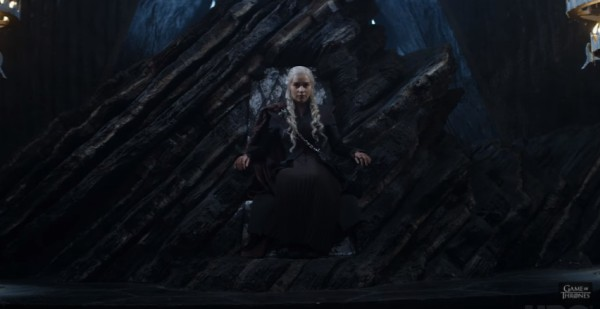 Дейенерис Таргариен на троне
